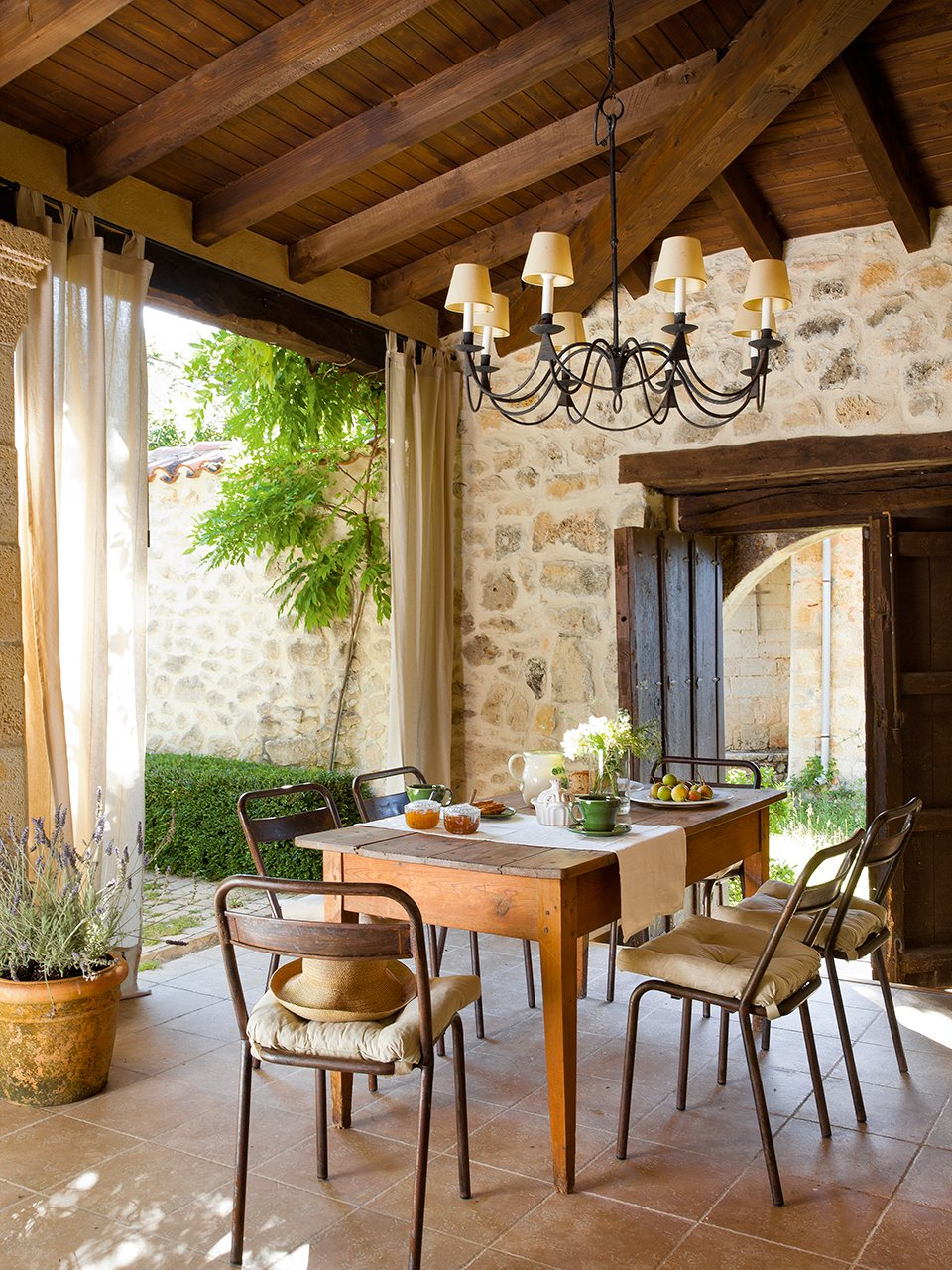 Mikel larrinaga for Ideas de terrazas rusticas